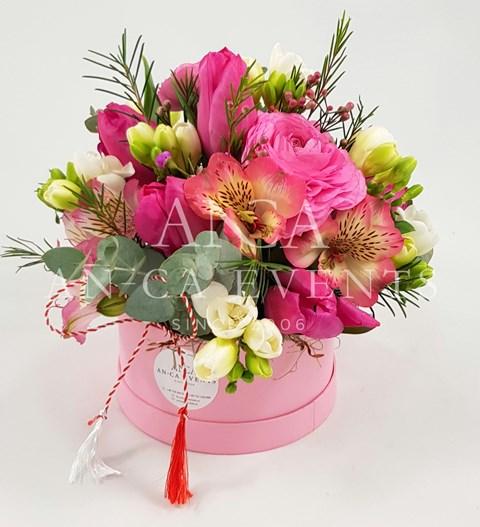 Martisoare Florale Flori De Primavara In Aranjamente Si Buchete